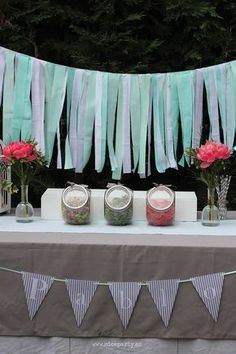 easy to make: ribbon garland Première Communion, First Communion Party, Baptism Party, First Holy Communion, Candy Bar Crafts, Ribbon Garland, Birthday Numbers, Baby Shower, Candy Table