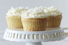 Add some zest to your afternoon with these tasty lemon coconut cupcakes. Coconut Cupcakes, Lemon Cupcakes, Mini Cupcakes, Cheesecake Cupcakes, Cupcake Recipes, Dessert Recipes, Snack Recipes, Cake Stall, Buckwheat Cake
