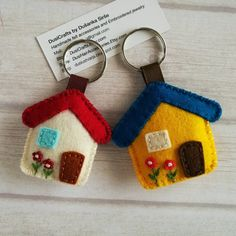 Your place to buy and sell all things handmade New meddium sized house keychain by DusiCrafts Felt Crafts Patterns, Felt Crafts Diy, Felt Diy, Fabric Crafts, Sewing Crafts, Felt Keychain, Moving Gifts, Felt House, Felt Embroidery