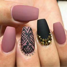 Black nail design with jewels #naildesign #nailart #jewels