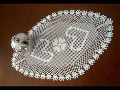 Oval Dantel Modelleri, Tepsi Örtüsü, Tığişi Örgü & Crochet - YouTube Crochet Tote, Filet Crochet, Crochet Gifts, Crochet Doilies, Lace Patterns, Knitting Patterns, Hand Work Design, Crochet Table Runner Pattern, Hand Work Embroidery