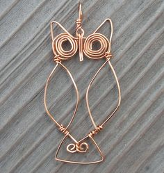 I've been working on a wire owl idea in my head for a few years, and today I sat down and tried a few things out with copper wire. I think he's pretty cute. Need to work on this some more...