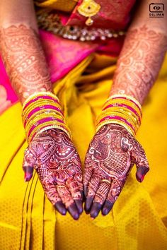 Mehandi adorns the hands and life takes on a new colour ❤️ Photography Couples, Indian Wedding Photography, Photography Ideas, South Indian Bride, Indian Bridal, Group Poses, Man Images, Mehandi Designs, Indian Fashion
