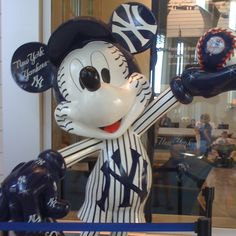 Mickey mouse loves the Yankees!
