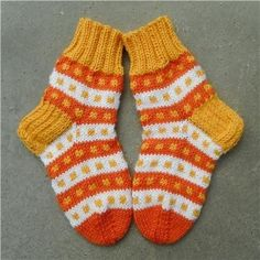 Knit Art, Knit Or Crochet, Knitting Socks, Sewing Crafts, Latest Fashion, Slippers, Pattern, How To Make, Tejidos