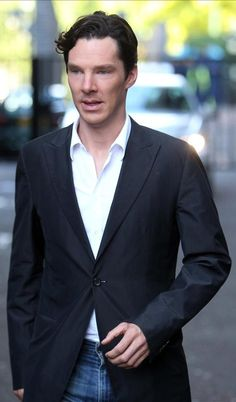 Benedict Cumberbatch who is playing the latest Sherlock Holmes in the popular BBC drama, was leaving GMTV studios after being interviewed on the show in London, UK. 2010 08 06