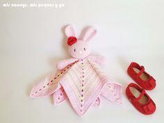 Modern Crochet, Crochet Baby, Loom, Bunny, Diy Crafts, Tapestry, Crafty, Stitch, Blanket