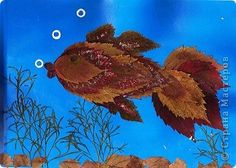 Золотая рыбка из листьев