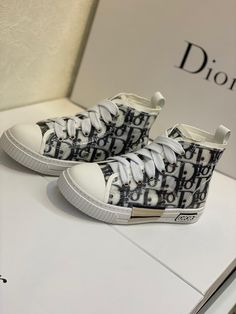 Cute Baby Shoes, Baby Boy Shoes, Baby Boots, Cute Baby Clothes, Girls Shoes, Cute Outfits For Kids, Baby Boy Outfits, Dior Kids, Luxury Baby Clothes