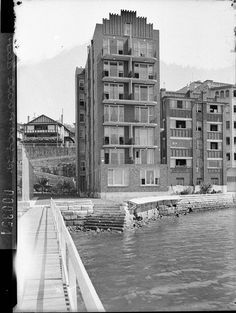 Edgewater Flats, 6 Billyard Avenue, Elizabeth Bay, Sydney.  Photographer Sam Hood (1937).  Source: State Library of NSW. Manuscripts, oral history & pictures - State Library of New South Wales