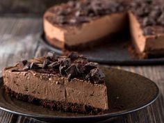 Ένα εξαιρετικό cheesecake σοκολάτας χωρίς ζάχαρη που σίγουρα θα σας εντυπωσιάσει με την υπέροχη γεύση και υφή του. Μια εύκολη στη παρασκευή της συνταγή που