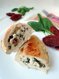 Chicken Breast stuffed with Feta, Spinach, and Sun-Dried Tomatoes - Yummy, easy, and healthy! Can't go wrong with feta and sun-dried tomatoes! Spinach And Feta, Cooking Recipes, Healthy Recipes, Dried Tomatoes, Food Dishes, Main Dishes, Pulled Pork, Chicken Recipes, Food Porn