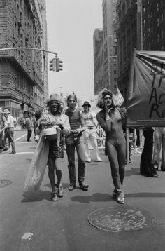 Marsha P. Johnson and Sylvia Rivera at Gay Pride Parade © Leonard Fink. Sylvia Rivera, Stonewall Riots, Lgbt History, Powerful Pictures, Gay Aesthetic, Lgbt Rights, Pride Parade, Power To The People, Thing 1