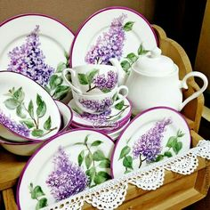 Lilac Plates and Tea Set Lilac Blossom, Lavender Cottage, Lilac Flowers, Rose Tea, China Painting, All Things Purple, Vintage China, Afternoon Tea, Tea Time