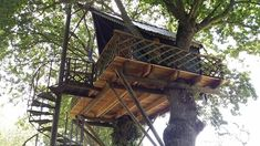 1 Bedroom Tree House in Yvignac-la-Tour to rent from £210 pw. With balcony/terrace.