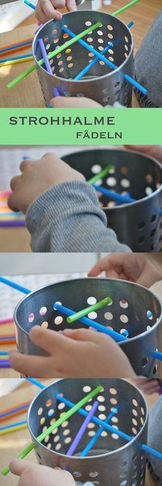 Einfache und spannende Motorik-Übungen für Kleinkinder: Strohhalm fädeln und durch ein Sieb stecken. #Montessori #feinmotorik