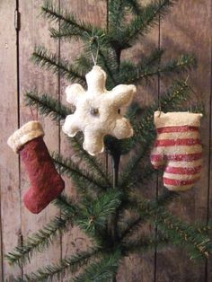Primitive Christmas Ornaments by TreasuredPrimitives on Etsy, $22.95