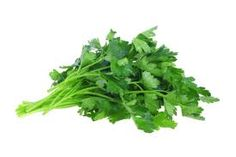 Parsley originated from Mediterranean countries. The ancient Greeks believed that parsley is the Hercules plant, plant to win the war and win the games. Healthy Living Tips, Healthy Tips, Healthy Recipes, Healthy Food, Healthy Facts, Healthy Eating, Natural Home Remedies, Herbal Remedies, Natural Medicine