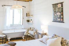English — Le Mole sul Farfa Le Mole, Rooms, English, Bedrooms, English Language