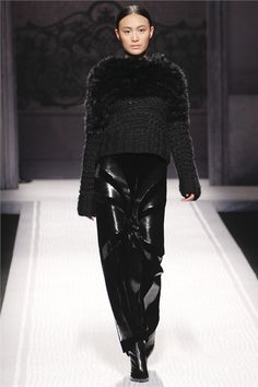 More beautiful designs combining different black textures for next winter. This by Alberta Ferretti <3