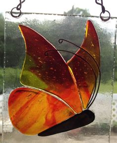 Taller Vitrofusión Libre Hanging Art, Glass Painting, Glass Birds, Glass Pictures, Glass Design, Glass Fusing Projects, Stained Glass Art, Glass Animals, Fused Glass Panel