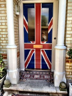 Just love the Union Jack design? This front door was done in Drawing Room Blue, Blazer, Joas White, Slipper Satin Finish: Exterior Eggshell Drawing Room Blue, Colour Drawing, Portal, Union Flags, British Things, London Calling, Farrow Ball, British Isles, Great Britain