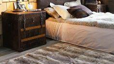 Avec la baisse des températures, il devient urgent de réchauffer la chambre pour en faire un nid douillet. Votre allié ? Un tapis qui saura mettre ...