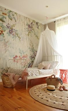 Habitaciones infantiles con mural Blossom de Mr Perswall