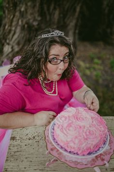 Adult Cake Smash Photo by: http://abbieblog.com Tutu by: https://www.etsy.com/ca/shop/HairClipsnMoreByMary