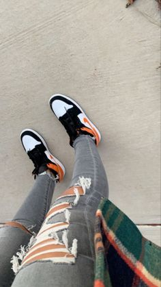 Cute Sneakers, Sneakers Mode, Sneakers Fashion, Shoes Sneakers, Adidas Shoes Outfit, Nike Air Shoes, Kd Shoes, Nike Socks, Jordan Shoes Girls