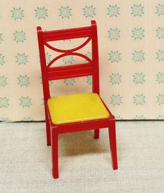 Mid Century Miniature  FREE SHIP! Vintage Dollhouse Yellow Plastic Arm Chair
