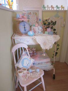 ダスト缶♪ の画像|pinkpink-baby~アンティーク雑貨やパステルカラーの食器が大好きです♪ Baby Doll Nursery, Baby Dolls, Babies Nursery, Vintage Nursery, Vintage Room, Melanie Martinez, Pastel Room, Baby Room Neutral, Toy Display