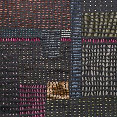Sashiko/boro embroidery in square shapes with varied stitches Sashiko Embroidery, Japanese Embroidery, Embroidery Art, Embroidery Stitches, Embroidery Designs, Boro Stitching, Hand Stitching, Techniques Couture, Kantha Stitch