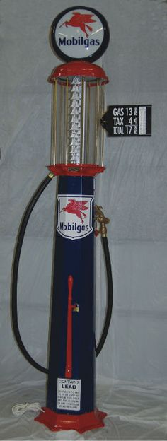 Blue Mobilgas Reproduction Pump, perfect for your garage! Old Gas Pumps, Vintage Gas Pumps, Antique Items, Antique Cars, Pompe A Essence, Soda Machines, Classic Car Restoration, Old Gas Stations, Pump It Up