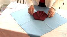 pliage serviette 4 Nouvel An, Mannequins, Costumes, Diy, Inspiration, Style, Towels, Wedding Ideas, Pretty