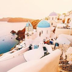 Greece . Tag #houseoftrendss for a chance of getting featured.  @jacob by houseeoftrends. welivetoexplore #travelingtourplanet #houseoftrendss #earthofficial #thegreatputdoors #travelgram #artofvisuals #ourplanetdaily #discoverearth #earthfever #fantastic_earth #tourtheplanet #aroundtheworldpix #eventprofs #meetingprofs #popular #trending #events #event #travel #tourism [Follow us on Twitter (@MICEFXSolutions) for more...]