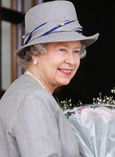 March Queen Elizabeth II on board the Royal Yacht Britannia in Cape Town 934c3cf6c5f