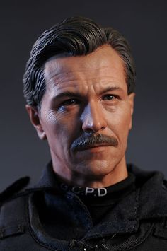 Fantastic action figure! Gary Oldman. Jim Gordon Dark Knight sixth scale action figure by Hot Toys