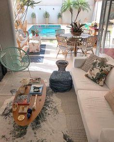 E o sol voltou 🙏🏻☀️ - Mundo Da Decoração Stairs In Living Room, Living Room Decor, Mini Pool, Porche, Paint Colors For Living Room, Sustainable Design, Interior Design Living Room, My Dream Home, Interior And Exterior