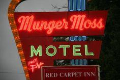 Route 66 - Munger Moss Motel neon, Lebanon, Missouri
