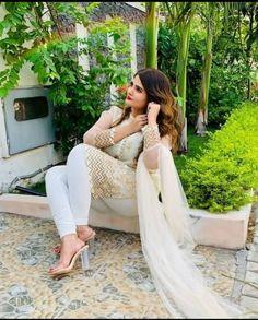 Beautiful Hijab, Beautiful Girl Indian, Beautiful Indian Actress, Bollywood Actress Hot Photos, Bollywood Girls, Curvy Girl Outfits, Sexy Outfits, Desi Girl Image, Dehati Girl Photo