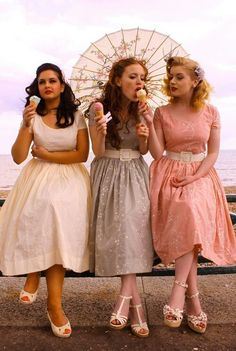Looks like a lovely day with friends. I'd love to have a vintage ice cream party!