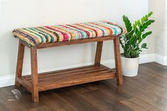 Easy DIY shoe storage bench! Perfect for the entryway. Love this upholstered DIY bench. Cool modern look! #anikasdiylife #woodworking Scrap Wood Projects, Woodworking Projects That Sell, Diy Woodworking, Furniture Projects, Furniture Plans, Diy Furniture, Shoe Storage Plans, Diy Shoe Storage, Bench With Shoe Storage