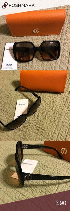Tory Burch Sunglasses Almost new Tory Burch Accessories Sunglasses