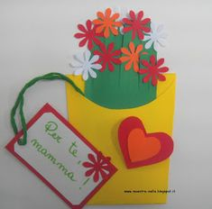 maestra Nella: Fiori per la mamma Kids Crafts, Spring Crafts For Kids, Diy And Crafts, Paper Crafts, Mother's Day Projects, Projects For Kids, Carpeaux, Kid Experiments, Flower Pots