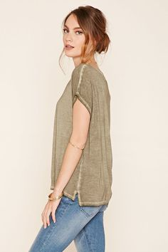 Contemporary Distressed Top | Forever 21 PLUS - 2000200196