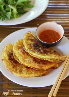 Vietnamese pork & shrimp sizzling crepes (Bánh xèo) #vietnamesefood #banhxeo #creperecipe #vietnamesecreperecipe