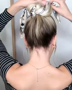 Messy Hair Updo with Scarf # messy Hairstyles how to Messy Updo Hairstyle with a Scarf 2020 Easy Hairstyles For Long Hair, Scarf Hairstyles, Messy Updo Hairstyles, Hairstyles For Working Out, Bandana Hairstyles For Long Hair, Long Hair Dos, Long Messy Hair, Messy Hair Look, 1940s Hairstyles