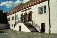 Austråttborgen, Borgveien 7140 Opphaug, Norway (ca. Villas, Norway, House, Home, Villa, Homes, Houses, Mansions