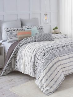 Abstract Aztec Duvet Cover Set from Dreamy Bedding Feat. Under the Canopy